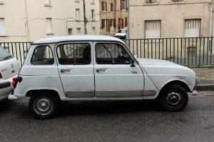 Bernard KOHN, la « Renault 4 », la « 2 Chevaux » et l'Inde