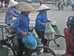 On honore un de ses enseignantsau Vietnam. Une coutume instaurée par Oncle Hô