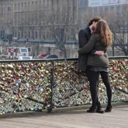 Amoureux cadenas d'amour - bancs publics