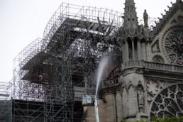 Notre Dame de Paris le lendemain